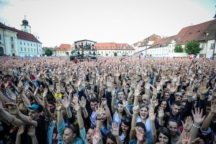 consum-de-substante-interzise-la-concertul-din-piata-mare-40965