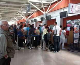 controlorii-de-trafic-aerian-sunt-in-greva-intarzieri-de-pana-la-100-de-minute-pe-aeroportul-sibian-33183
