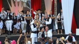 week-end-folcloric-in-piata-mare-cu-junii-sibiului-si-invitatii-lor-vezi-programul-complet-33624