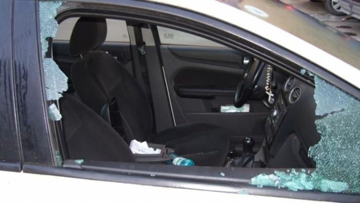 inca-o-masina-sparta-in-sibiu-era-parcata-pe-strada-9-mai-si-autorul-inca-nu-a-fost-prins-33774