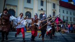 cavalerii-si-domnitele-revin-la-sibiu-incepe-festivalul-medieval-cetati-transilvane-quot-33778