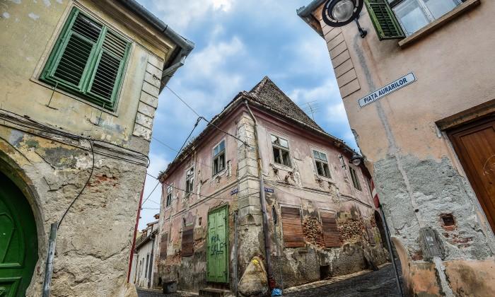 case parasite de pe strada Movilei