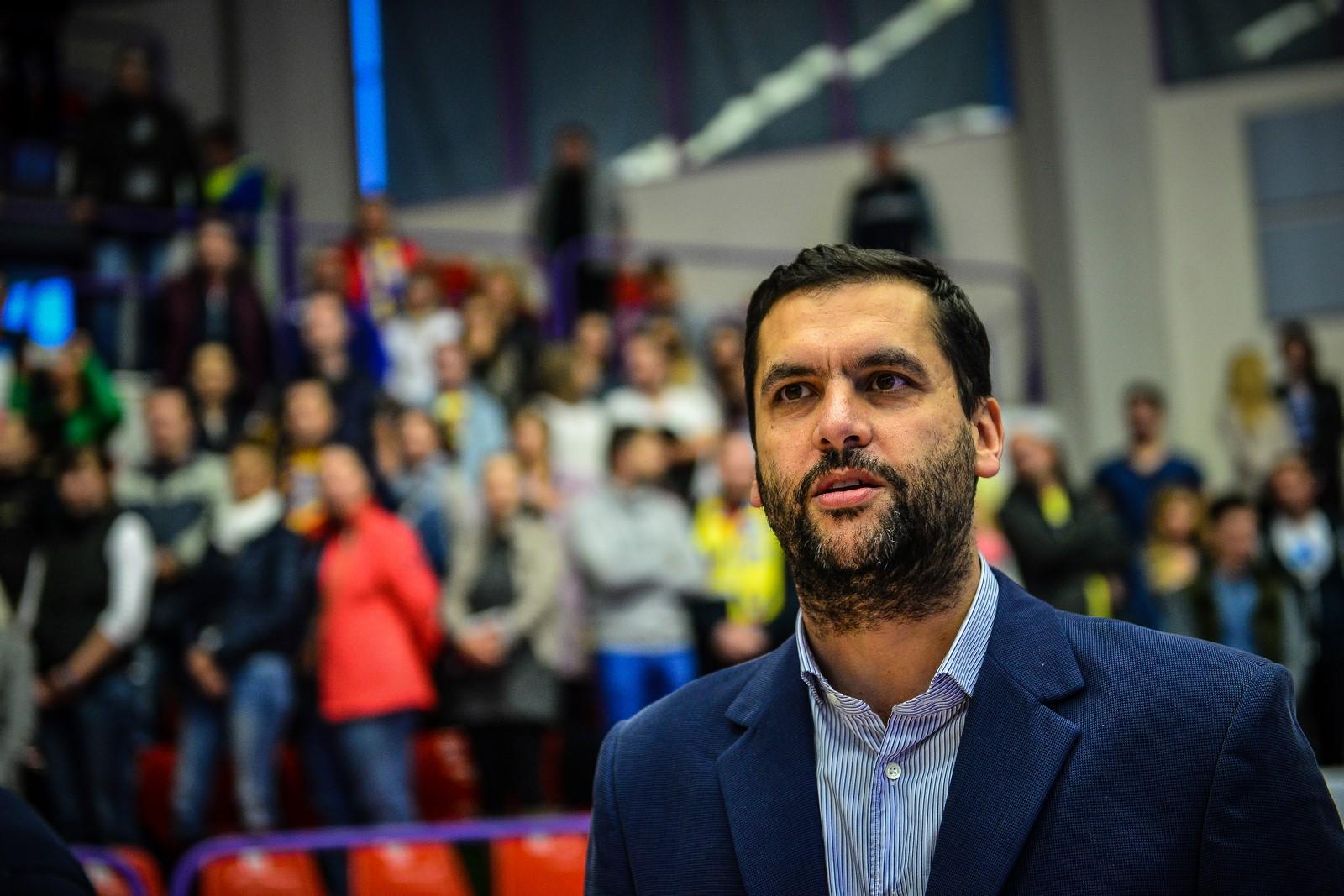 Dan Fleseriu CSU Sibiu BC mures baschet 2015 (Copy)