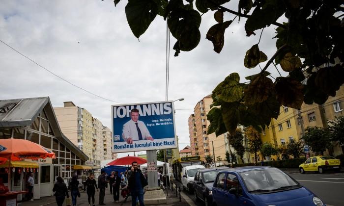 Iohannis  panou electoral alegeri presedentie 2014 vasile aron (Copy)