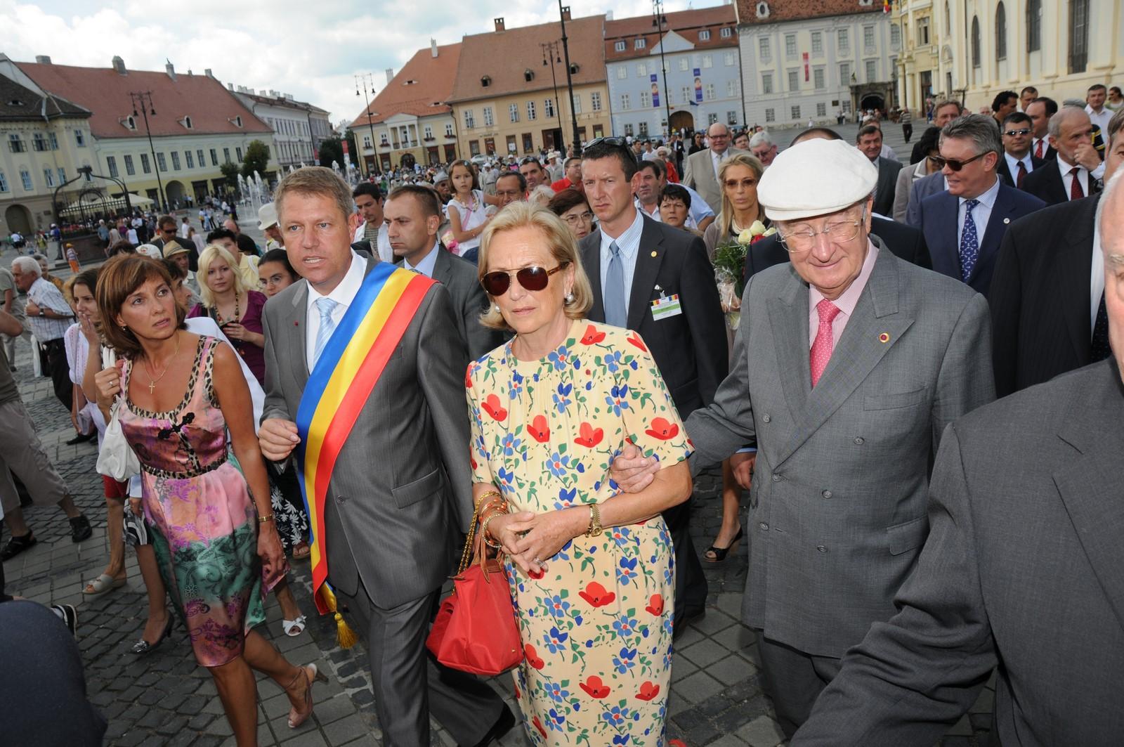 Pe 9 iulie 2009, la Sibiu venea Regele Belgiei, un eveniment pentru întreg orașul. În 2019, Sibiul a găzduit întâlnirea a 27 de șefi de state și guverne