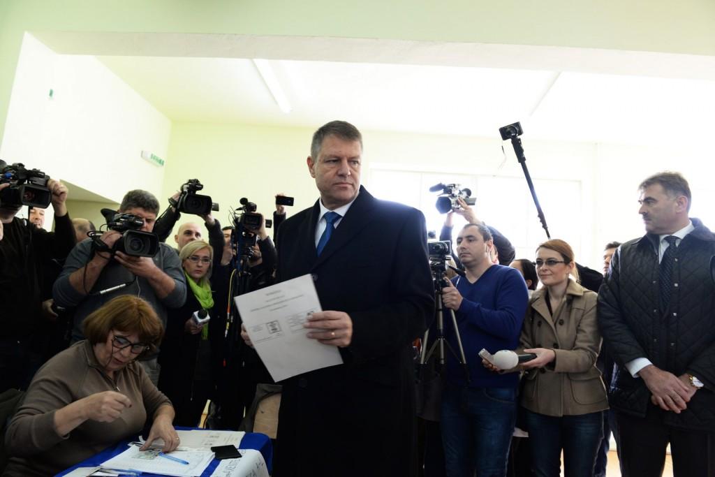 carmen si klaus Iohannis alegeri 2014 (11) (Copy)