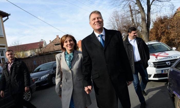 carmen si klaus Iohannis alegeri 2014 (6) (Copy)