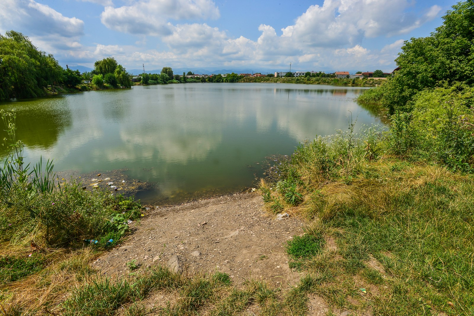 loc amenajare gratar lacul lui binder picnic  (6) (Copy)
