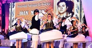 2015_10_16_1_incepe-festivalul-national-de-folclor-ioan-macrea_28791