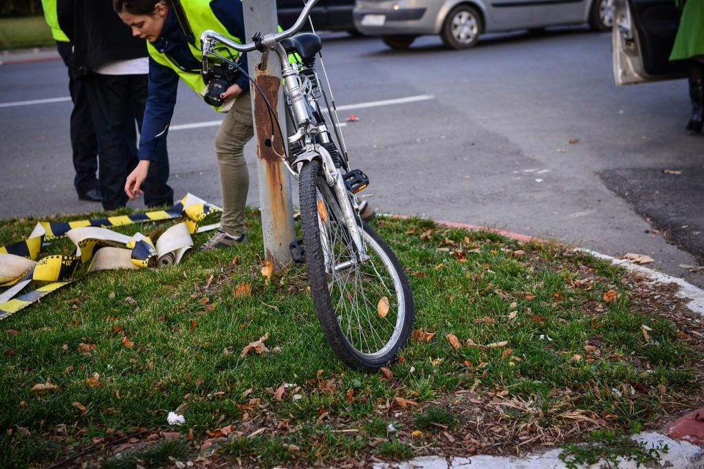 accident biciclist politie sens giratoriu (3)