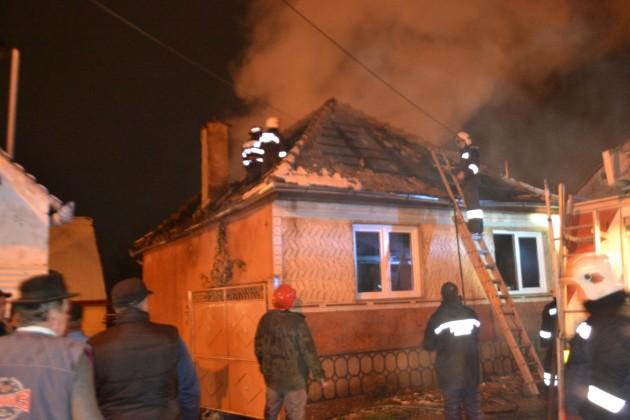 incendiu casa de locuit Sadu 26.112015