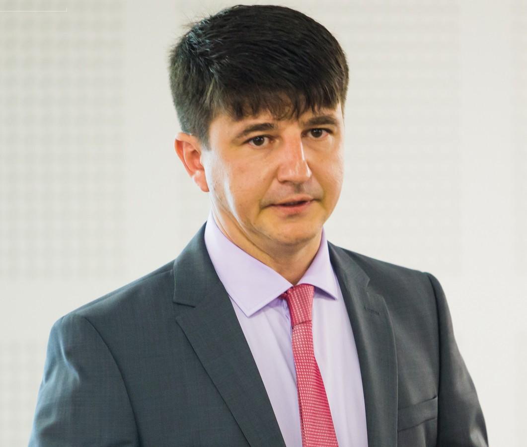 """Ciprian Faraon, MBA: """"Aeroportul International Sibiu: Studiu de caz in literatura de specialitate pentru management"""""""