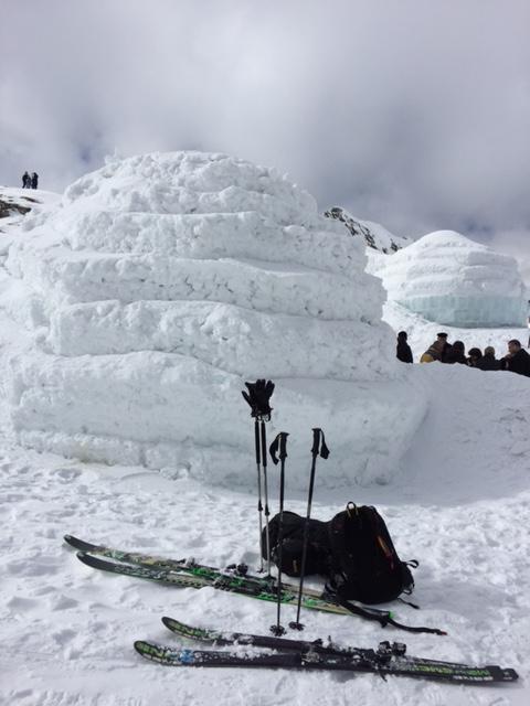 Balea Lac biserica de gheata schiuri