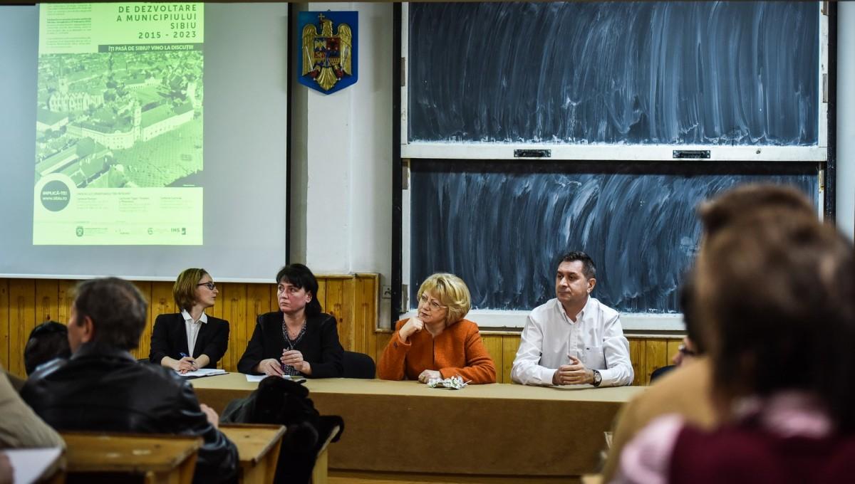 dezbatere publica strategia de dezvoltare Sibiu Astrid Fodor, Popa si Bokor (19) (Copy)