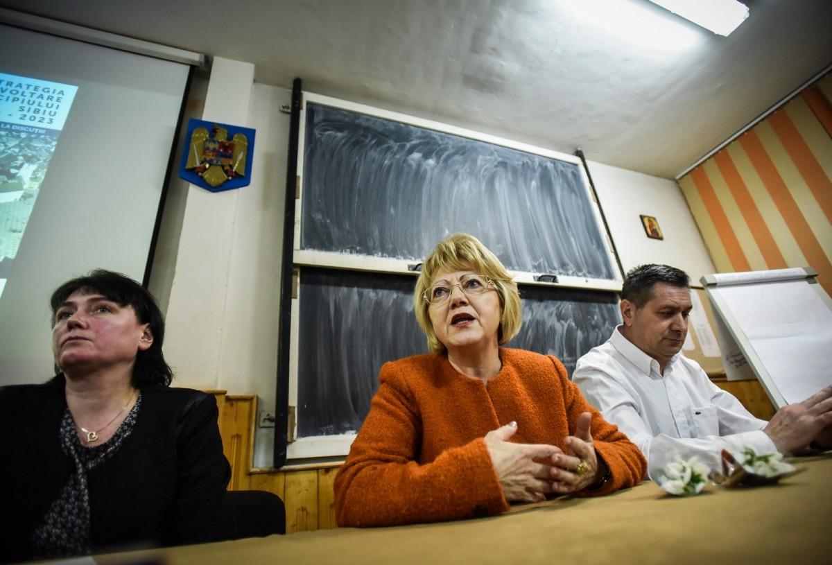 dezbatere publica strategia de dezvoltare Sibiu Astrid Fodor, Popa si Bokor (20) (Copy)