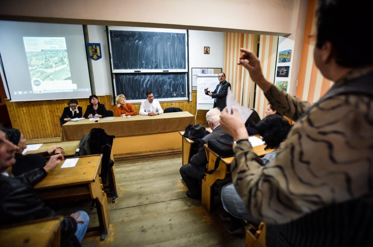 dezbatere publica strategia de dezvoltare Sibiu Astrid Fodor, Popa si Bokor (37) (Copy)