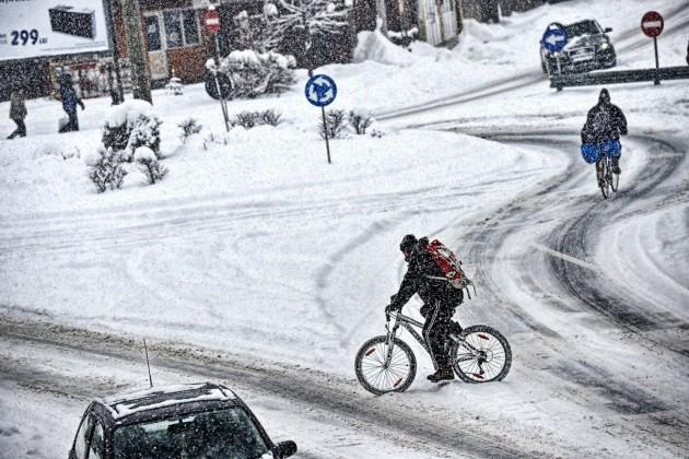 iarna circulatie bicicleta 2