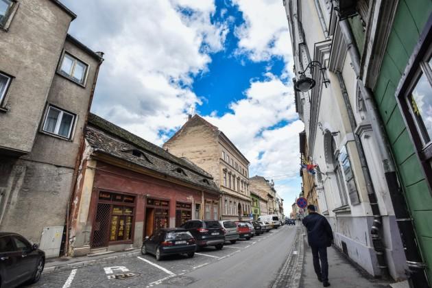 Proiect locuinte cu regim hotelier si spatii comerciale in centrul istoric al Sibiului tribunei (1)