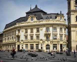 Traseul oficial al președinților și șefilor de Guvern prevede accesul în Primăria Sibiu din Piața Mare