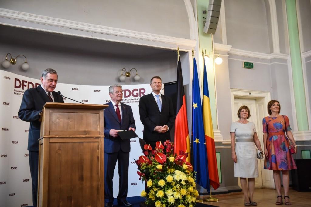Joachim Gauck, klaus iohannis (70)