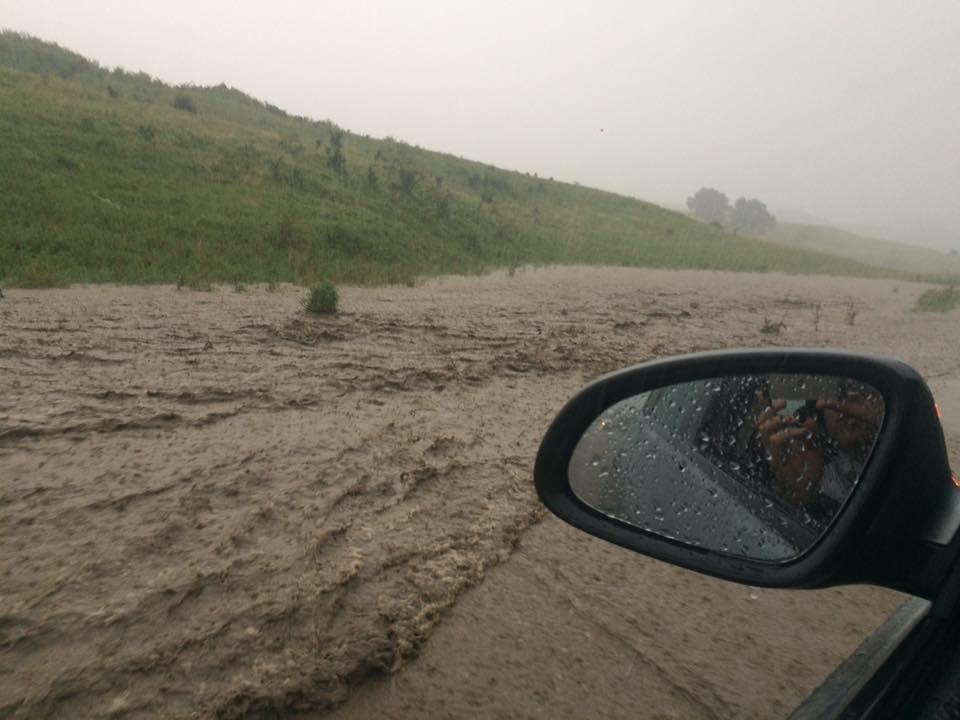 aluviuni inundatii drum