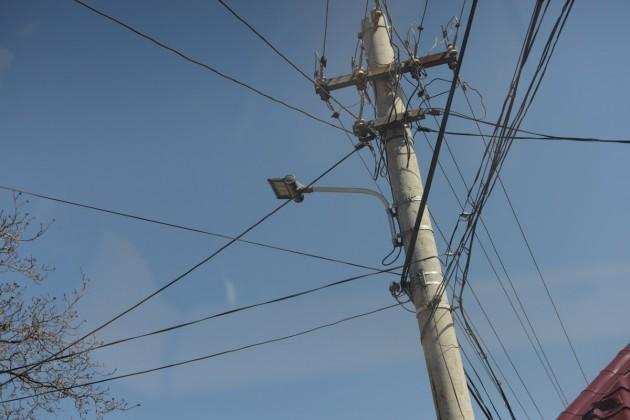 cabluri curent stalp