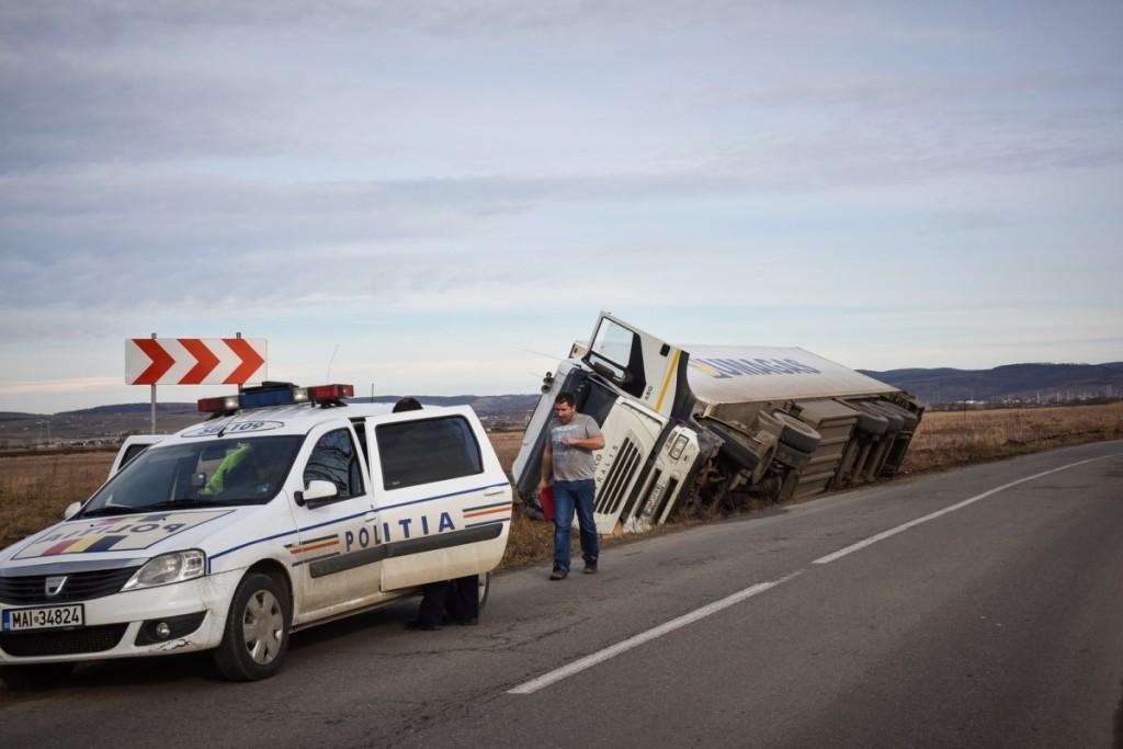 situatii periculoase accident-tir-drumul-hotilor