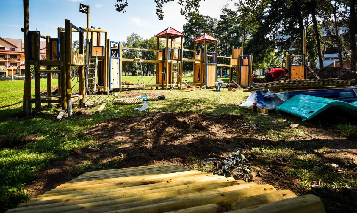 parc sub arini loc de joaca copii (1) (Copy)