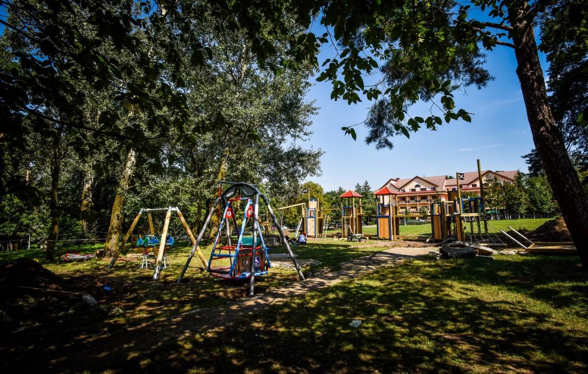 parc sub arini loc de joaca copii (10) (Copy)