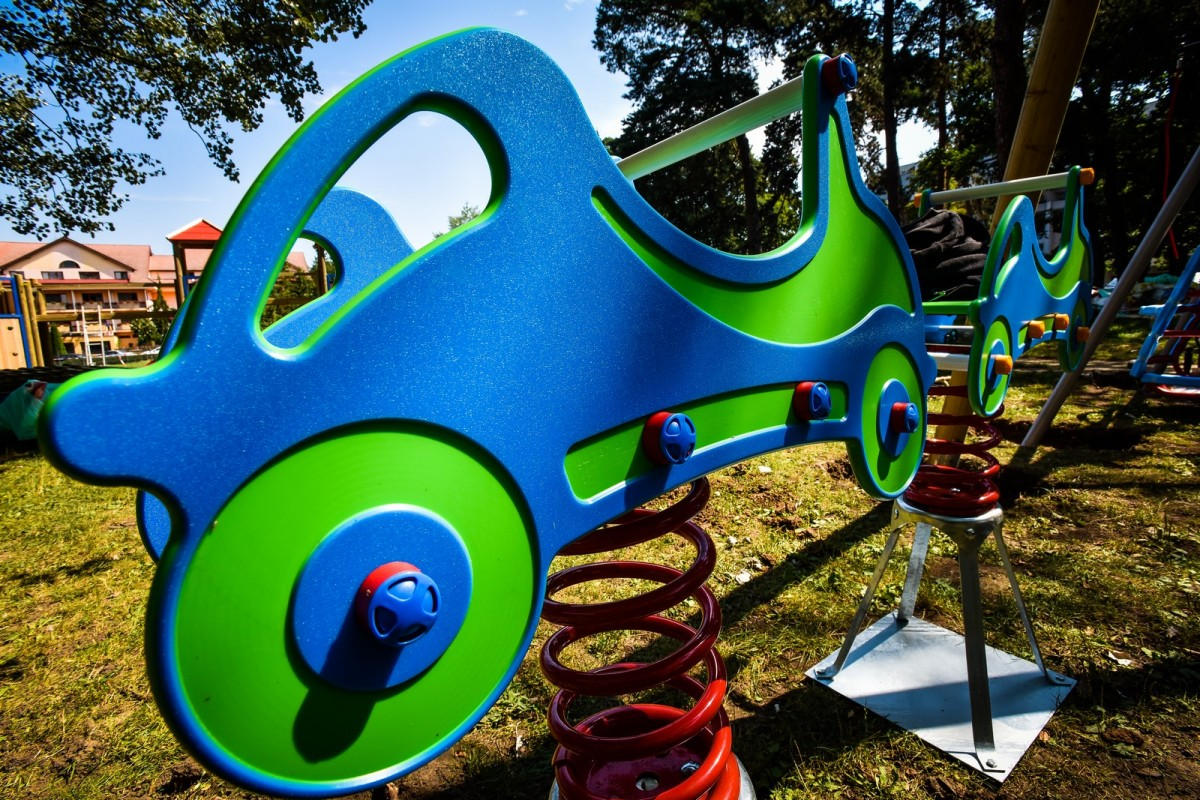 parc sub arini loc de joaca copii (2) (Copy)