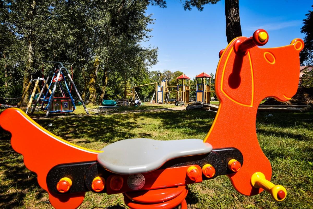 parc sub arini loc de joaca copii (4) (Copy)