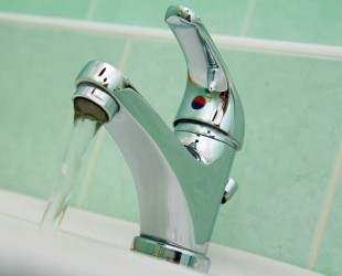 apa_chiuveta_robinet_