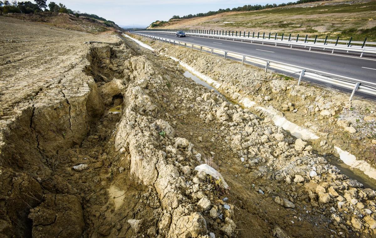 redeschidere-autostrada-saliste-cunta-octombrie-2016-17