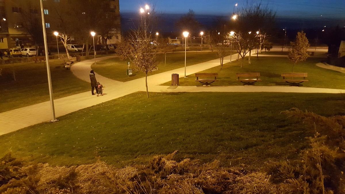 parc-strand-iluminat-iii