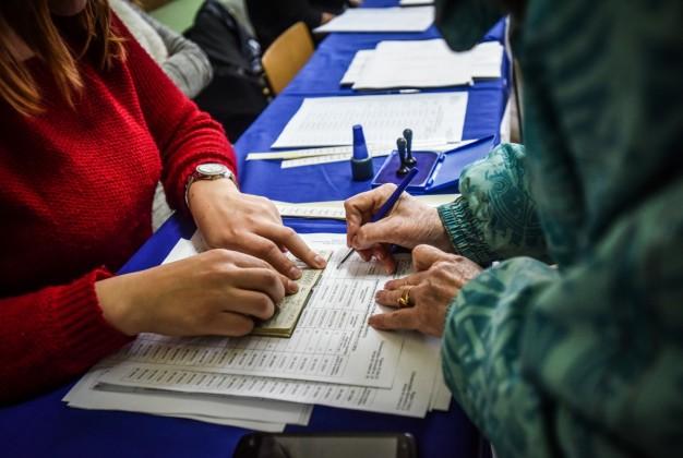 alegeri-parmalmentare-2016-vot-sectie-votare-27