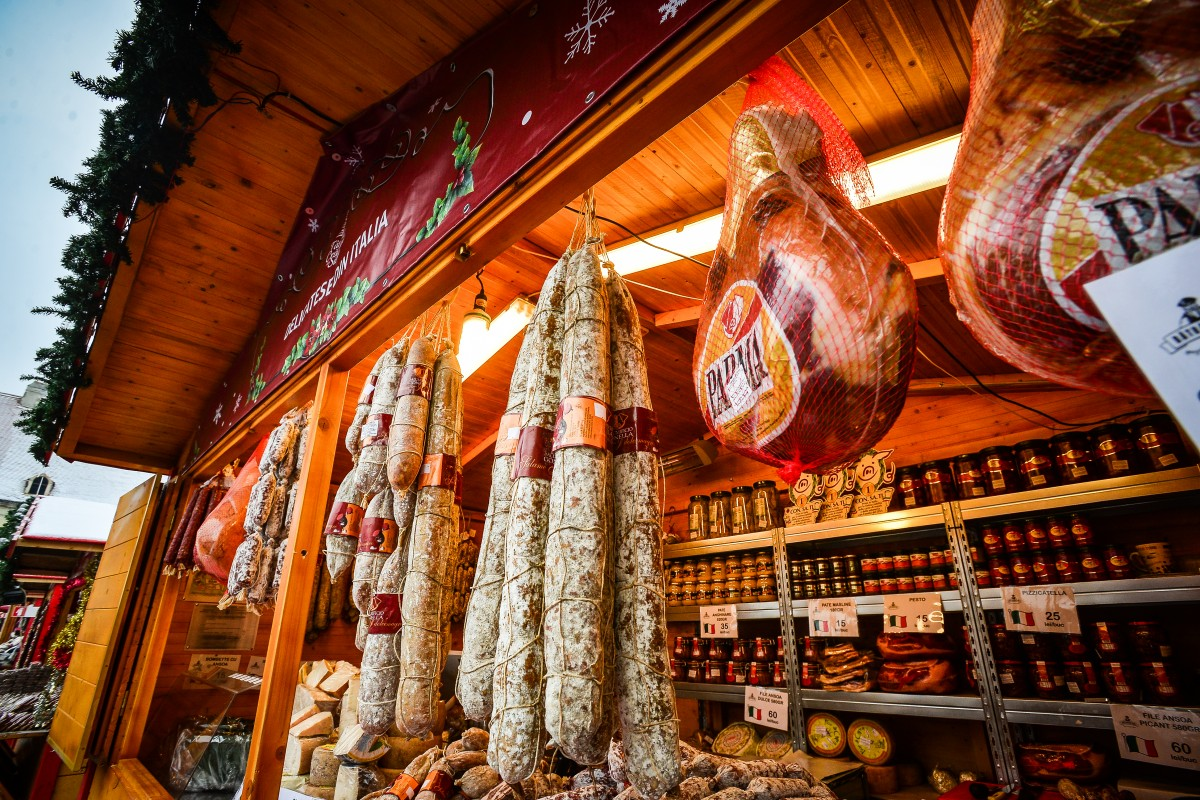 casuta-delicatese-italia-targul-de-craciun-3