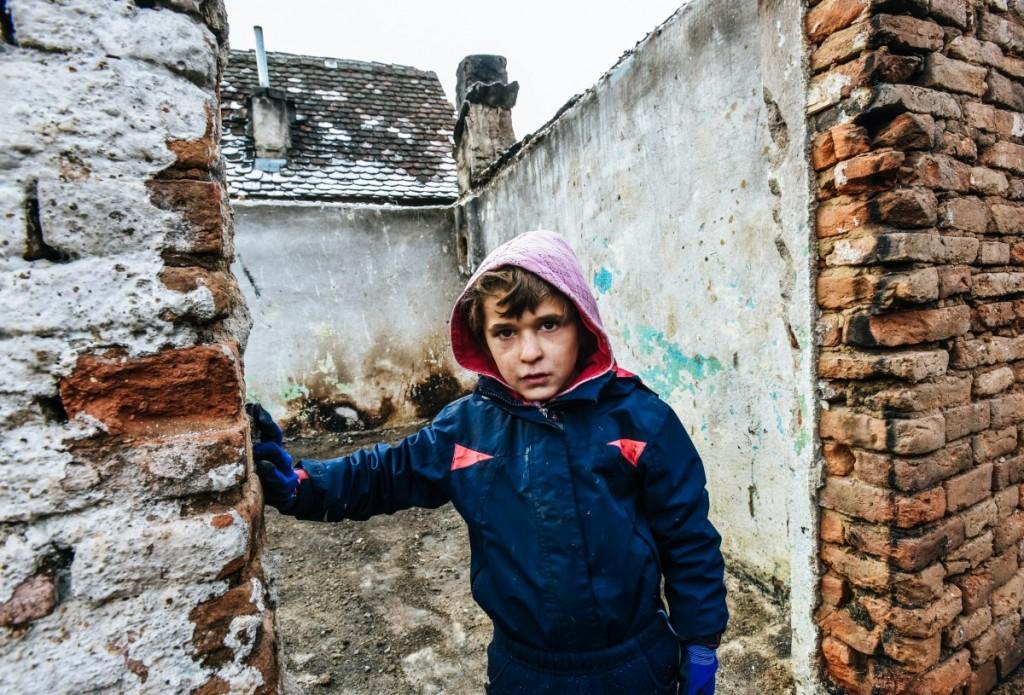 familia-tanase-cristian-casa-arsa-copii-8