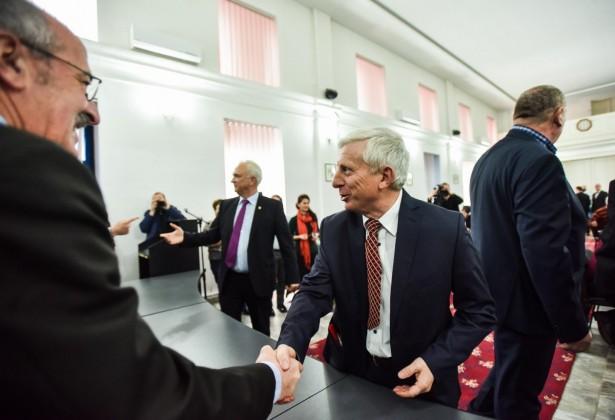 parlamentari avram, arcas