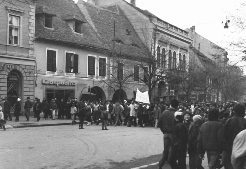 Sibienii au ieșit în stradă la trei zile după ce Mircea Bozan a lipit primele manifeste prin oraș