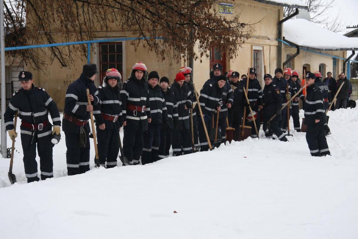 iarna-viscol-ger-isu-pompieri-armata-smurd-15