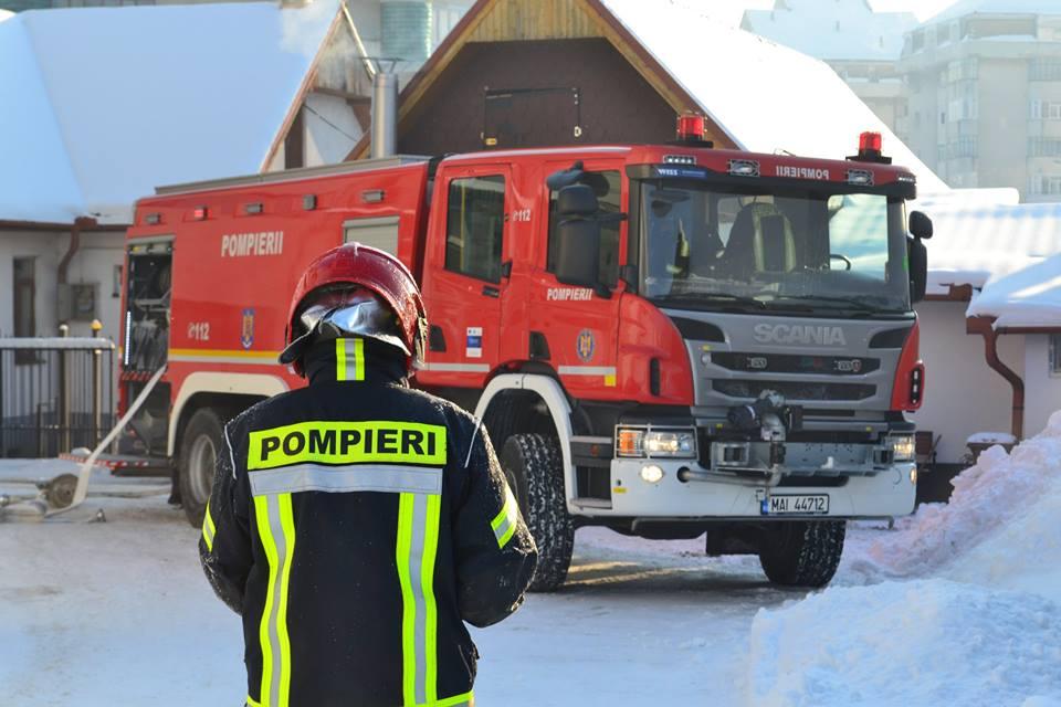 incendiu-turnisor-4-pompieri-iarna