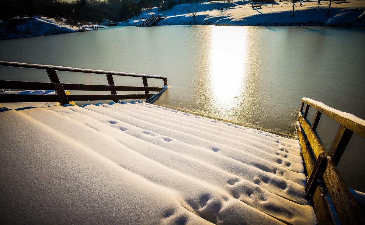 ocna-lacuri-inghetate-iarna-frig-ger-zapada-16