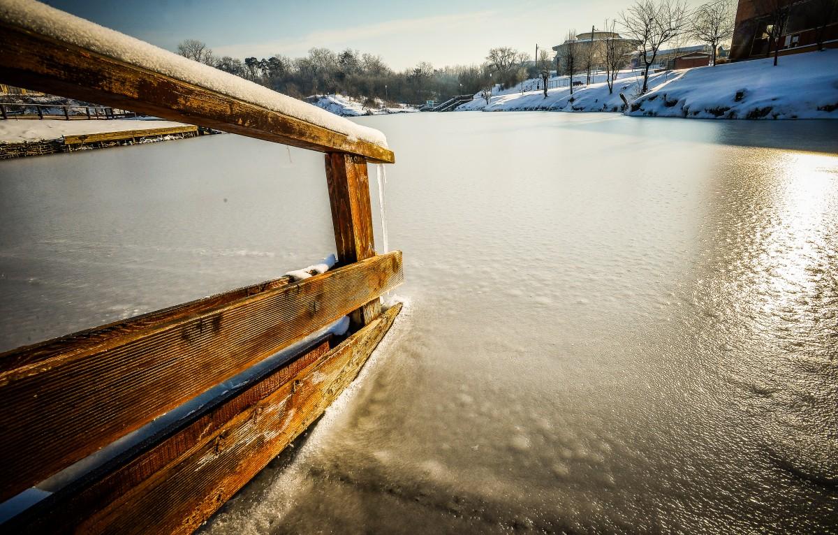 ocna-lacuri-inghetate-iarna-frig-ger-zapada-9