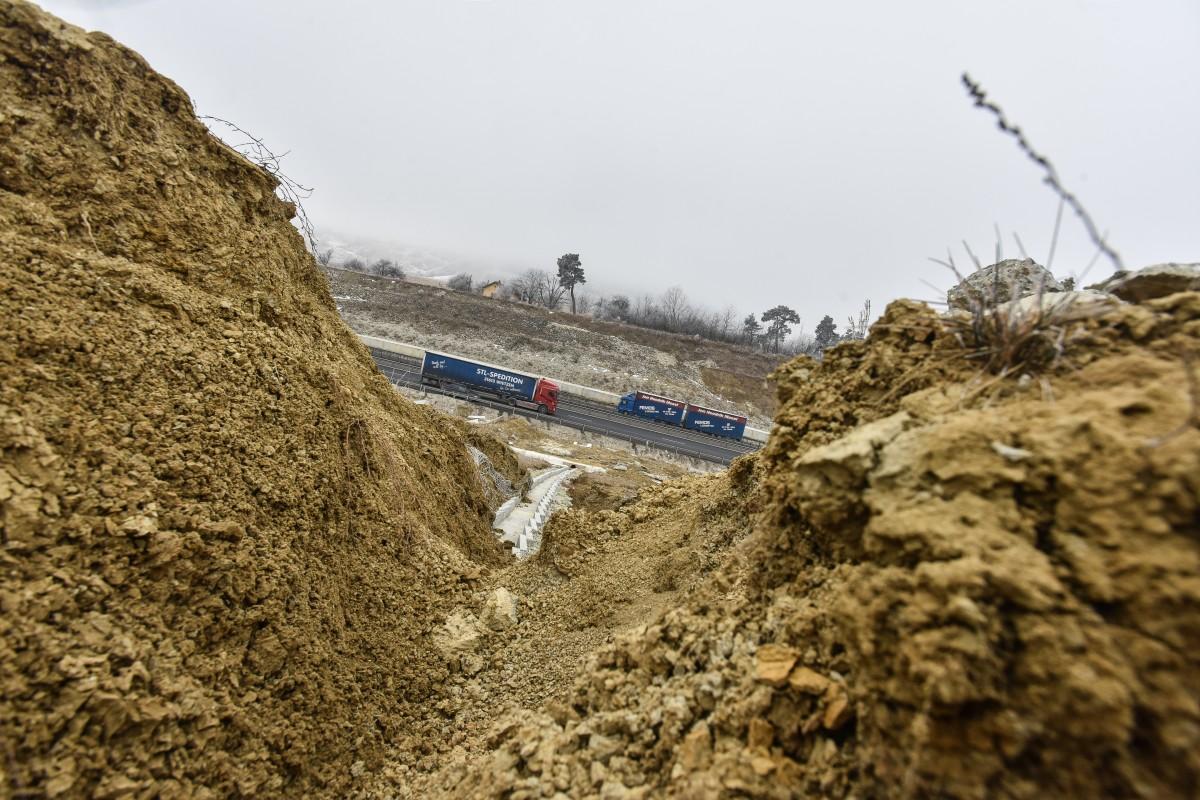 autostrada alunecari deal aciliu (1)