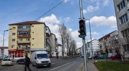 circulatie semafor intersectie calea cisnadiei siretului (7)