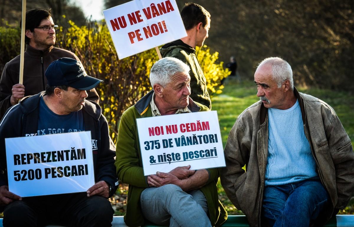 protest vanatori si pescari directia silvica (10)