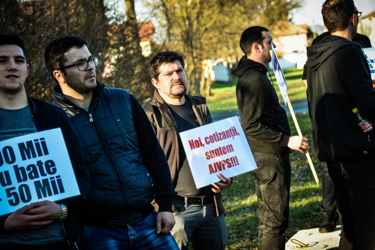 protest vanatori si pescari directia silvica (12)