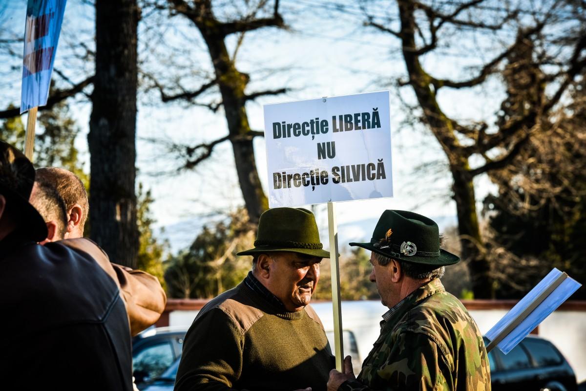 protest vanatori si pescari directia silvica (13)