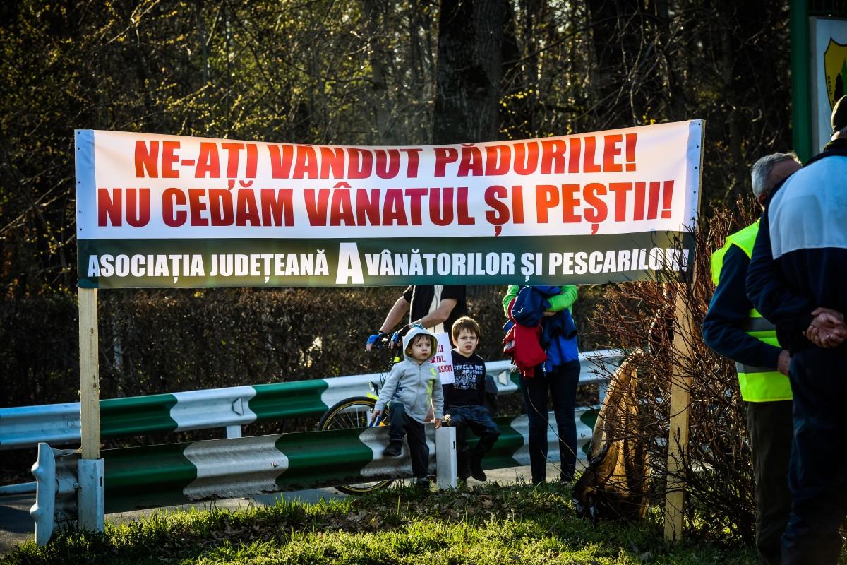 protest vanatori si pescari directia silvica (15)