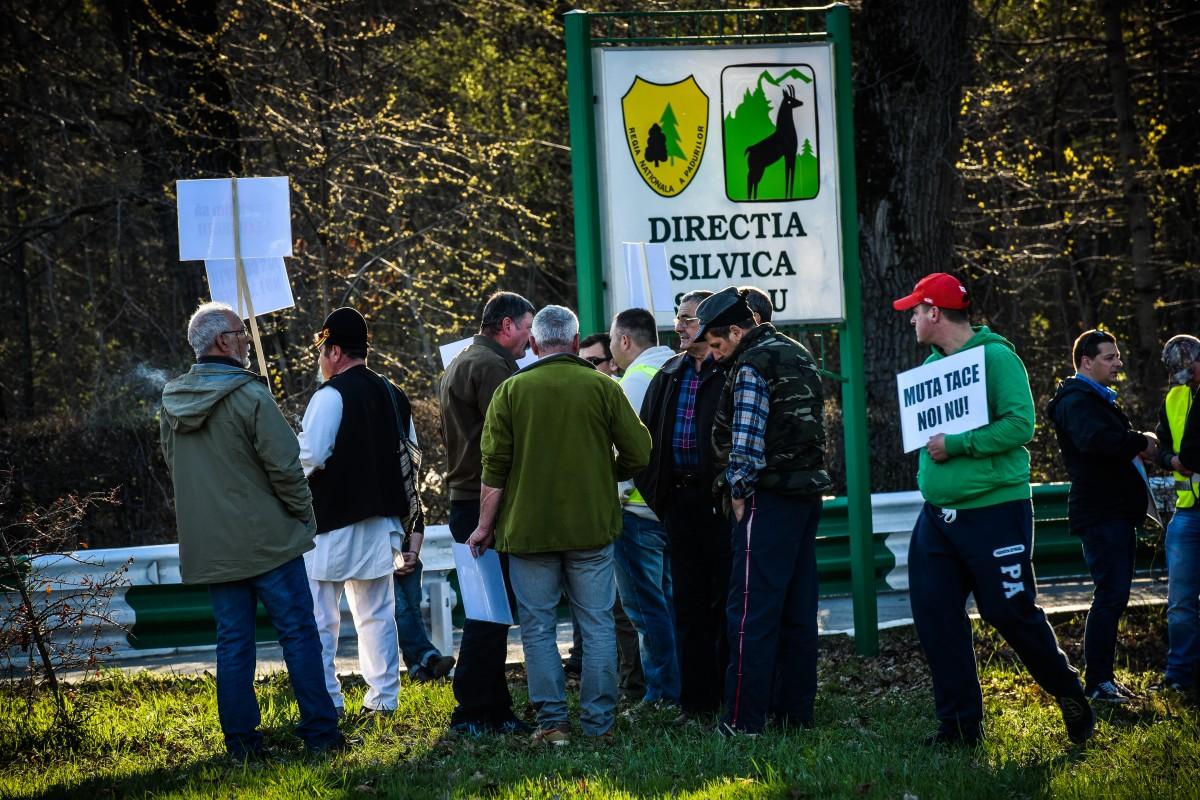 protest vanatori si pescari directia silvica (17)
